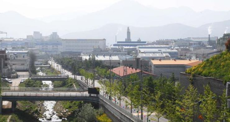 An industrial section of Yangsan, where thousands of foreigners work, many of whom do not have an appropriate visa. The city's government is offering free, anonymous coronavirus tests to them to prevent the disease's transmission by so-called
