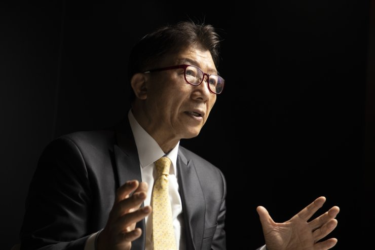 Jeffrey In-chul Kim, now a professor emeritus at Sungkyunkwan University, speaks in an interview with The Korea Times at its headquarters in Seoul, Thursday. Korea Times photo by Choi Won-suk