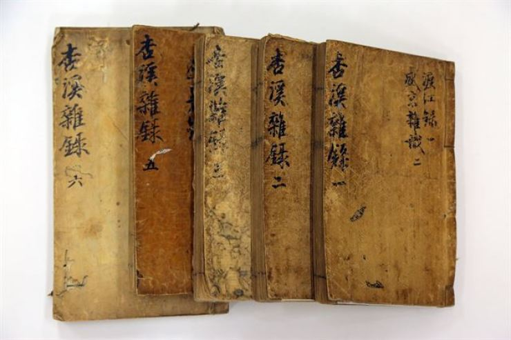 Bak Ji-won's 'The Jehol Diary' is a multiple-volume book which detailed his experiences and discoveries during his five-month trip to China in 1780. / Korea Times file