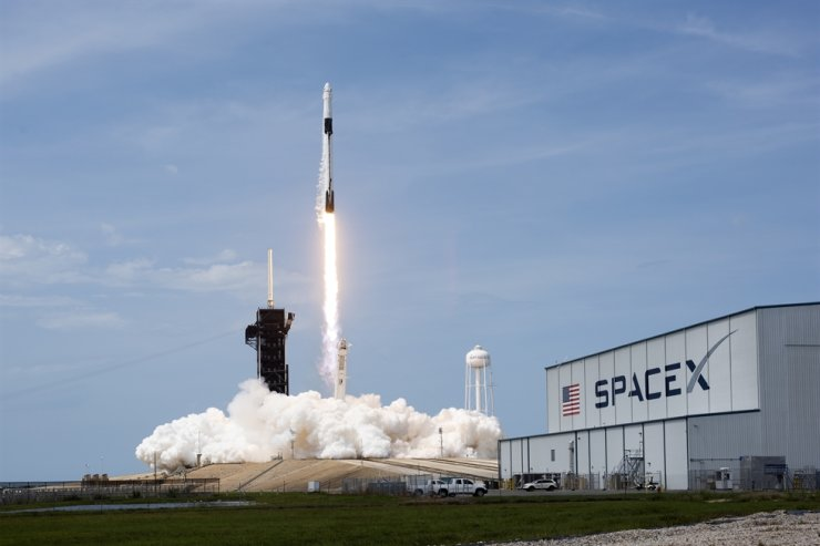 A SpaceX Falcon 9, with NASA astronauts Doug Hurley and Bob Behnken in the Crew Dragon capsule, lifts off from Pad 39-A at the Kennedy Space Center in Cape Canaveral, Fla., Saturday. /UPI