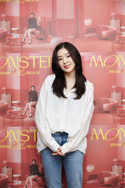 IRENE & SEULGI, the Red Velvet unit group has topped the charts with 'Monster.' Courtesy of SM Entertainment