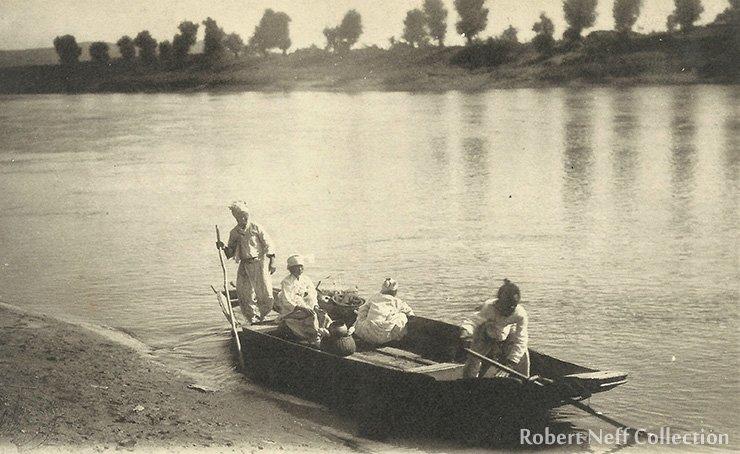 A Korean ferry, circa early 20th century. Robert Neff Collection