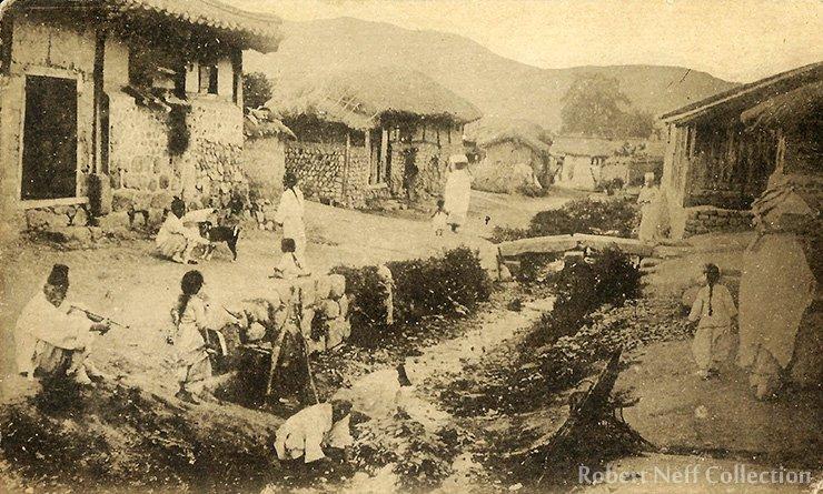 A street scene, circa 1890s-1900s. Robert Neff Collection