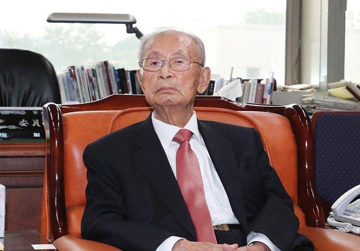Gen. Paik Sun-yup