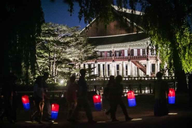 Gyeongbok Palace Starlight Tour / Courtesy of Cultural Heritage Administration