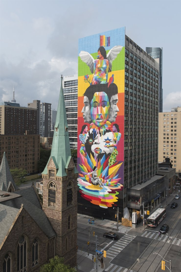 Spanish street artist Okuda San Miguel's mural 'Equilibrium.' The mural, commissioned by the STEPS Initiative, was created in 2018 with help from local assistants. / Courtesy of Sharon Mendoca