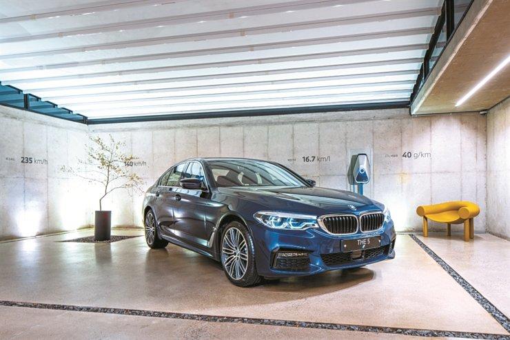 BWM's new 530e vehicle / Courtesy of BMW Group Korea