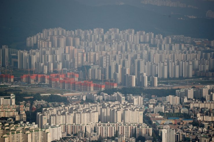 A general view of apartment complexes in Seoul, Aug. 7, 2020. Reuters