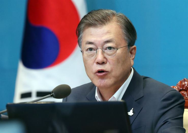President Moon Jae-in speaks during a meeting at Cheong Wa Dae, Monday, Sept. 14. Yonhap