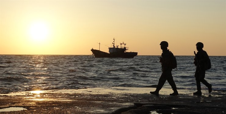 A Navy vessel is on patrol near the front-line border in the Western Sea, Sunday. / Yonhap