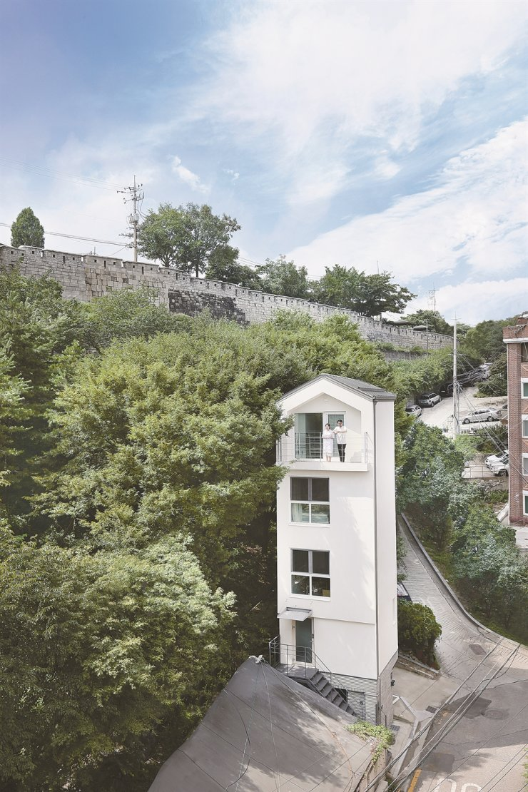 The couple's house is close to the old Seoul City Wall near Dongdaemun in Seoul. /Courtesy of Choi Min-wook