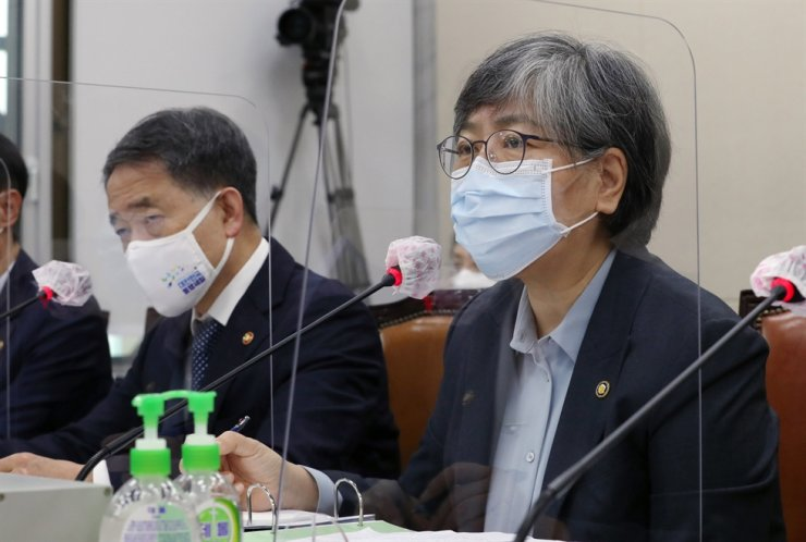 Jeong Eun-kyeong, director of the Korea Disease Control and Prevention Agency, speaks during a parliamentary hearing at the National Assembly, Thursday. Yonhap