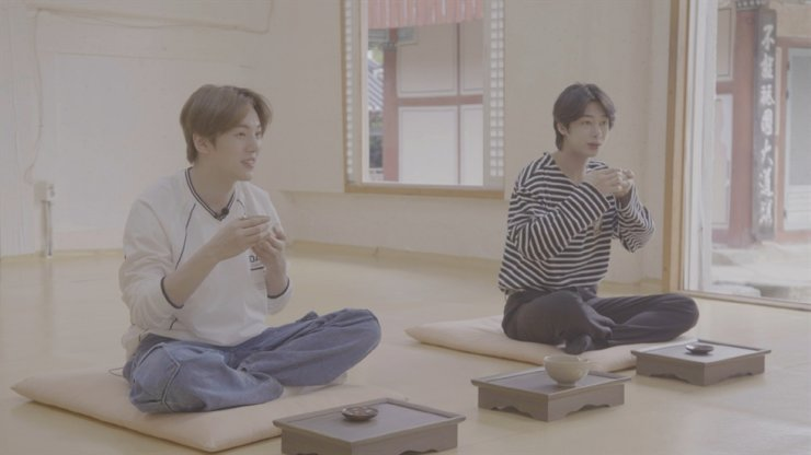 Minhyuk and Hyungwon of Monsta X visit the Route of Asceticism as part of promoting the Visit Korean Heritage Campaign. Courtesy of Korea Cultural Heritage Foundation