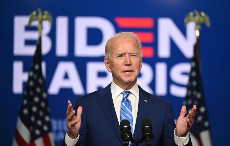Democratic Presidential candidate Joe Biden speaks at the Chase Center in Wilmington, Delaware on November 4, 2020. - President Donald Trump and Democratic challenger Joe Biden are squaring off for what could be a legal battle for the White House, running neck-and-neck in the electoral vote count, and several battleground states still in play on November 4.  /AFP
