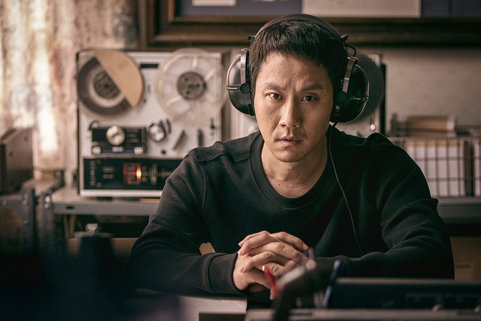 Jung Woo poses after an interview with The Korea Times at a cafe in Seoul, Tuesday. Courtesy of Little Big Pictures