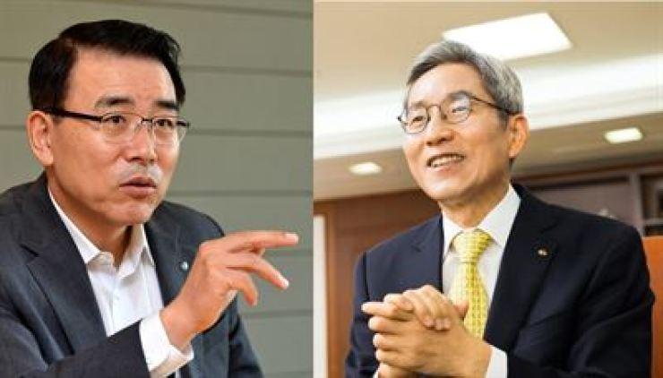 Shinhan Financial Group Chairman Cho Yong-byoung, left, and KB Financial Group Chairman Yoon Jong-kyoo / Korea Times file