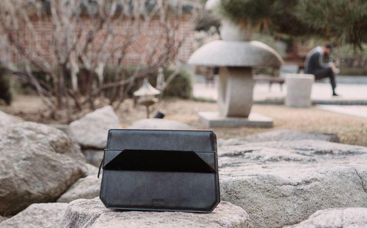 KAESA's VLLR bag made with vegan leather / Courtesy of KAESA