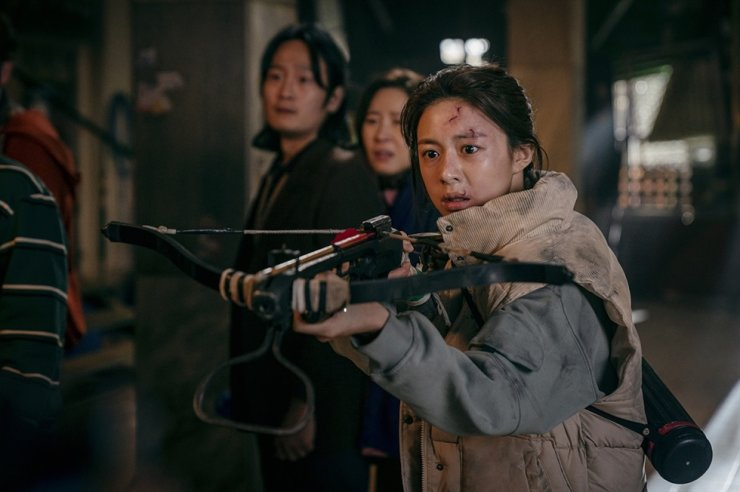 Go Yoon-jung, right, in a scene from Netflix's 'Sweet Home.' Courtesy of Netflix