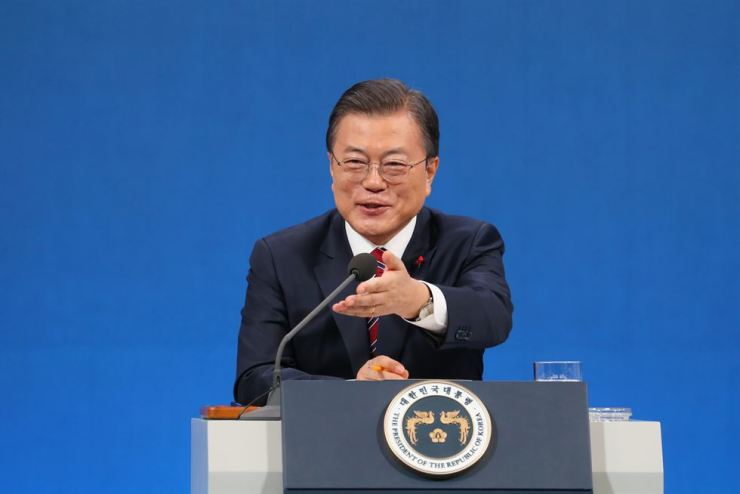 President Moon takes question during a press conference at Cheong Wa Dae, Monday. Yonhap