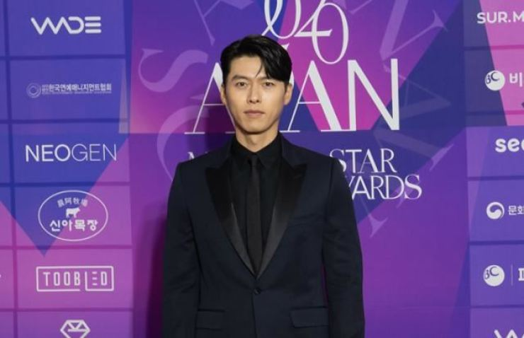 Actor Hyun Bin poses at the 2020 APAN STAR AWARDS held at the Grand Peace Palace of Kyung Hee University in Seoul, Jan. 23. / Courtesy of 2020 APAN AWARDS organizing committee