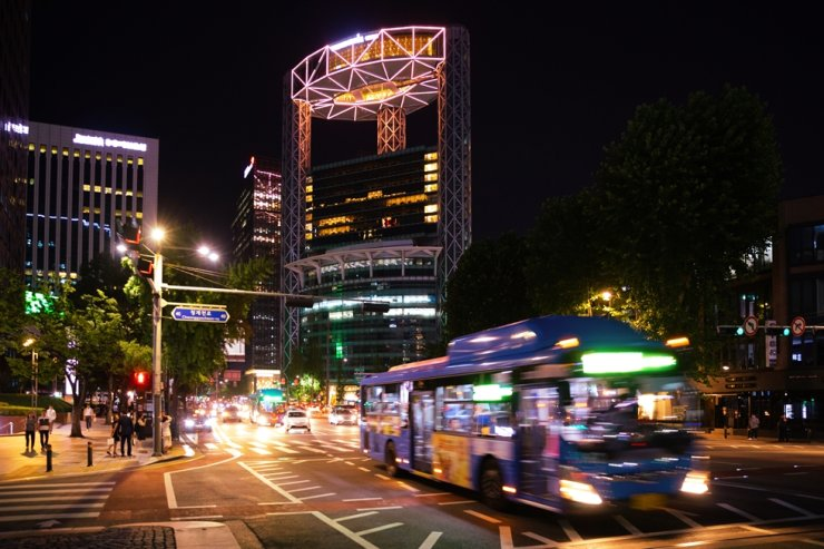Seoul at night / Gettyimagesbank