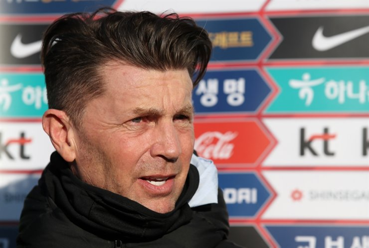 Colin Bell, the head coach of South Korean national women's football team, speaks to reporters at Gangjin Sports Complex in Gangjin, South Jeolla Province, Tuesday. / Yonhap