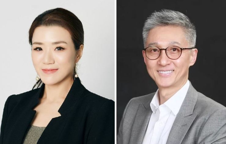 Hanjin Transportation Vice President Emily Lee Cho, left, and HYK Partners CEO Hahn Woo-jae