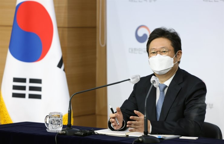 Culture Minister Hwang Hee speaks during a press conference at the Central Government Complex, Seoul, Thursday. Courtesy of Ministry of Culture, Sports and Tourism