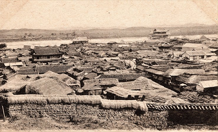 Pyongyang in the late 19th century  / Courtesy of Diane Nars Collection
