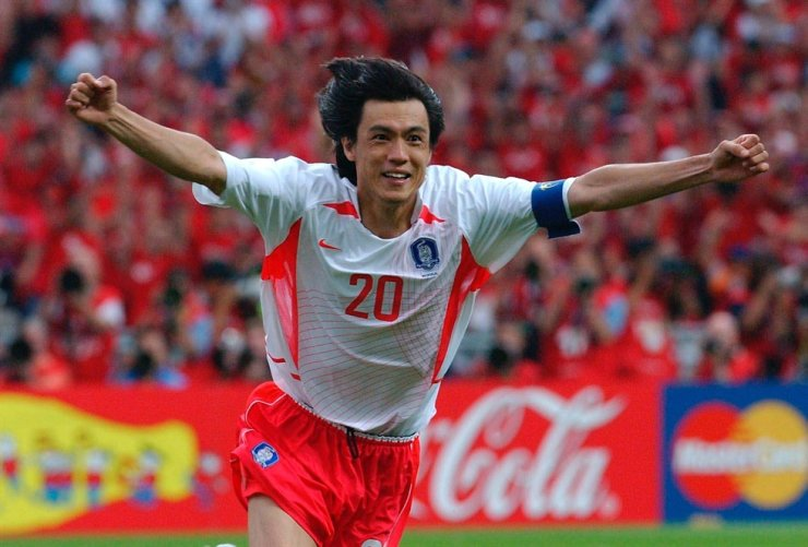 Hong Myung-bo, the leader of Korea's national football team for the 2002 World Cup / Korea Times file