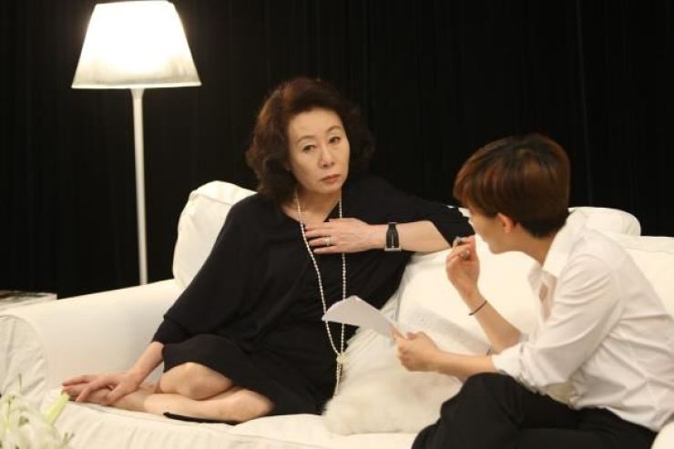 Oscar-winning actress Youn Yuh-jung in a scene from the 2009 film 'Actresses' / Yonhap