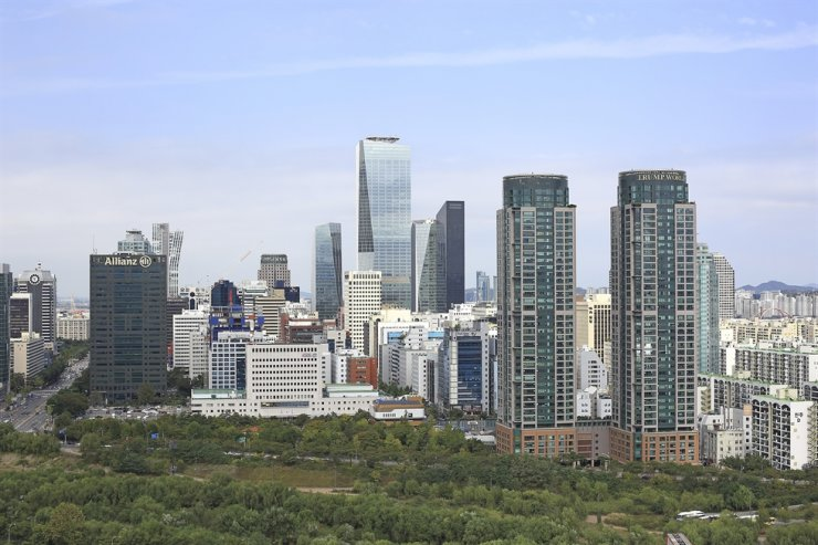 The view of Seoul's financial district Yeouido / gettyimagesbank