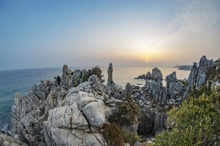 Candlestick rocks in Samcheok, Gangwon Province / gettyimagesbank