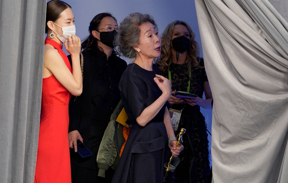Youn Yuh-jung, winner of the award for best actress in a supporting role for 'Minari,' poses in the press room at the 93rd annual Academy Awards ceremony at Union Station in Los Angeles, Calif., April 25. EPA-Yonhap