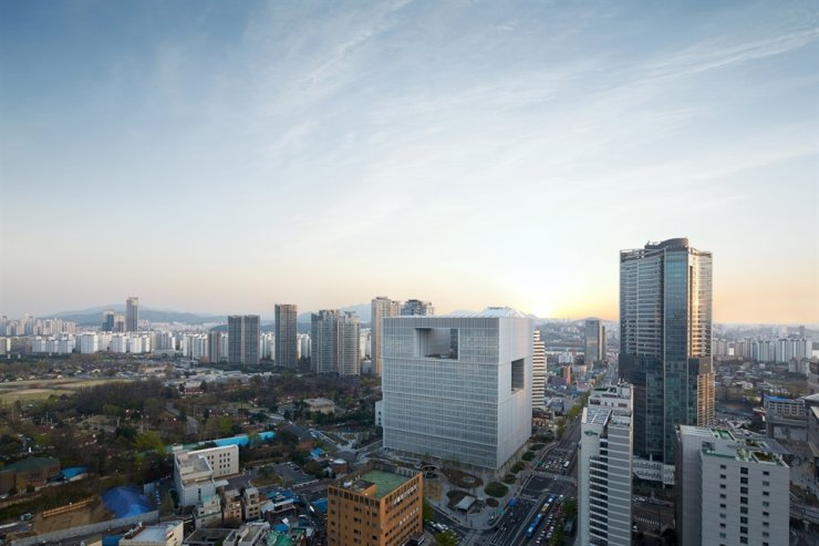 AmorePacific's headquarters in Yongsan, Seoul / Korea times file