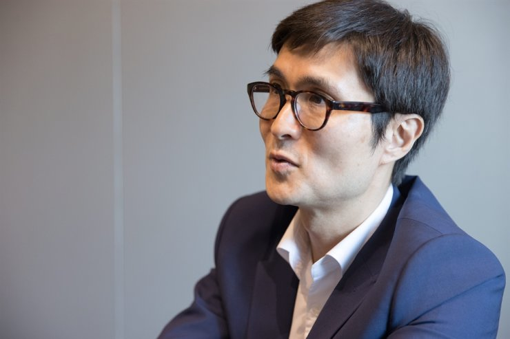 McKinsey & Company Senior Partner Richard Lee speaks during an interview with The Korea Times at The Plaza Seoul, April 19. Courtesy of McKinsey & Company