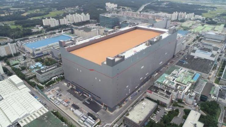 SK hynix's DRAM semiconductor plant in Icheon, Gyeonggi Province / Korea Times file
