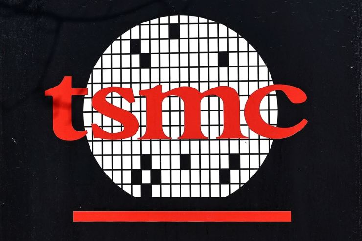 The logo of Taiwan Semiconductor Manufacturing Co (TSMC) is pictured at its headquarters, in Hsinchu, Taiwan, January 19. Reuters-Yonhap