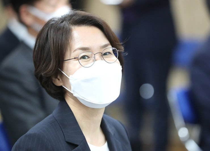 New Science Minister Lim Hye-sook smiles during her inauguration ceremony at the government complex in Sejong, May 14. Yonhap