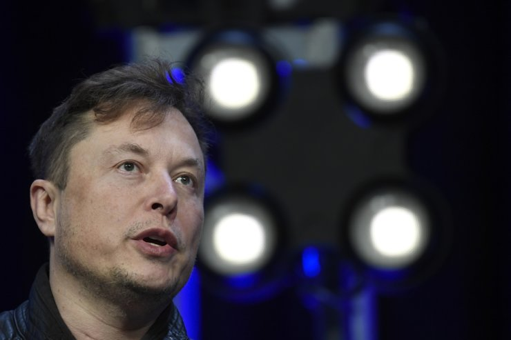 In this March 9 file photo, Tesla and SpaceX Chief Executive Officer Elon Musk speaks at the SATELLITE Conference and Exhibition in Washington. AP-Yonhap