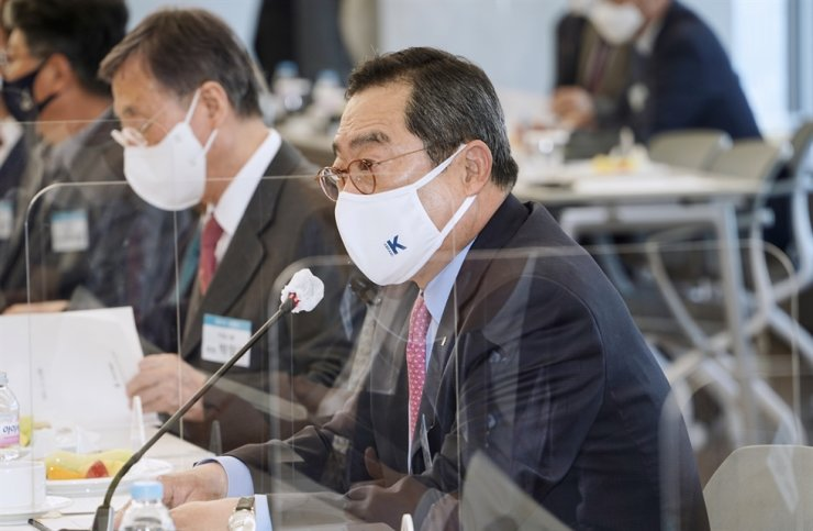 Korea International Trade Association Chairman Koo Ja-yeol speaks during its first meeting of its 31st board at the Trade Tower in Samseong-dong, Seoul, Tuesday. Courtesy of KITA