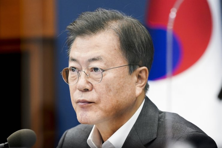 President Moon Jae-in said Saturday his government will step up efforts to create more employment opportunities, which were severely dented by the COVID-19 pandemic, in his message to mark Labor Day. Yonhap