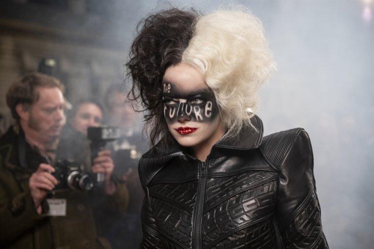 Emma Stone in a scene from 'Cruella' / Courtesy of Walt Disney Korea