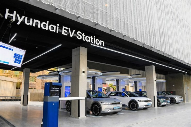 This Hyundai EV Station in Seoul's Gangdong District is capable of charging 80 percent of the IONIQ 5's battery in 18 minutes. Courtesy of Hyundai Motor