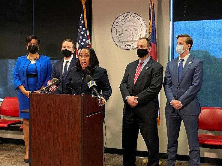 Fulton County District Attorney Fani Willis announces she will seek the death penalty in the Atlanta area spa shootings at a news conference in Atlanta, Ga., May 11. Reuters-Yonhap