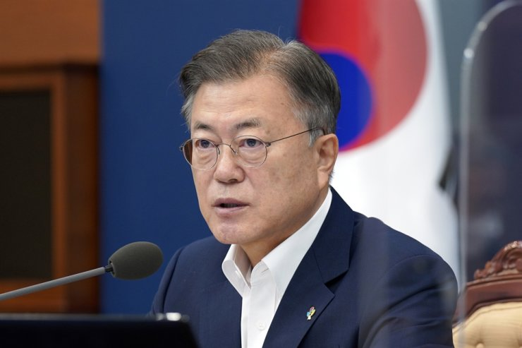 President Moon Jae-in speaks during a Cabinet meeting at Cheong Wa Dae, Tuesday. Yonhap