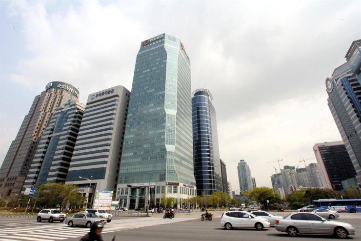 Seoul's financial district of Yeouido / Korea Times file