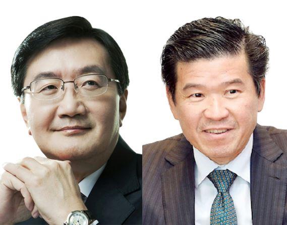 Deputy Prime Minister and Finance Minister Hong Nam-ki, left, and McKinsey Global Managing Partner Kevin Sneader