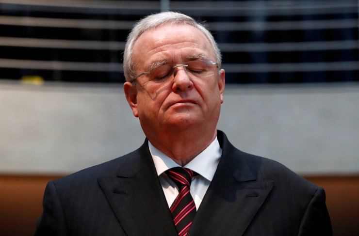 Former Volkswagen chief executive Martin Winterkorn arrives to testify to a German parliamentary committee on the carmaker's emissions scandal in Berlin, Jan. 19, 2017. / Reuters-Yonhap