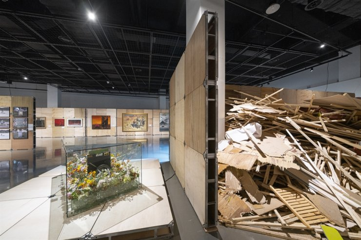 Installation view of the exhibition, 'Sustainable Museum: Art and Environment,' at the Museum of Contemporary Art Busan / Courtesy of MOCA Busan